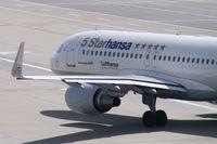 D-AIZX @ VIE - Lufthansa Airbus A320 - by Thomas Ramgraber