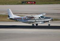 N701SE @ MIA - Cessna 208B