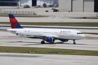 N348NW @ KFLL - Airbus A320-212