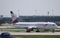 OE-LAZ @ KORD - Boeing 767-300
