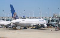 N674UA @ KORD - Boeing 767-300 - by Mark Pasqualino