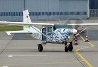 D-EKVM @ EDDV - Parajumper plane in Hannover / EDDV.