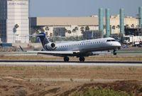 N750SK @ LAX - United Express