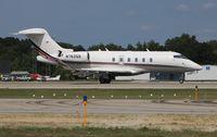 N762QS @ PTK - Net Jets