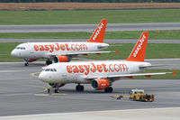 G-EZBD @ VIE - easyJet Airline Airbus A319 - by Thomas Ramgraber