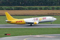 LZ-CGS @ VIE - Cargoair Boeing 737-400 - by Thomas Ramgraber