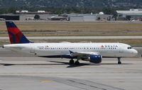 N352NW @ KSLC - Airbus A320-212