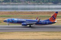 N805SY @ KPDX - Boeing 737-800