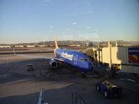 N8680C @ KPHX - Seen at Phoenix Sky Harbor International Airport