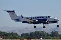 N119SL @ KBOI - Landing RWY 10R. 1990 Beech B350, cn: FL8. - by Gerald Howard