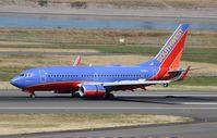 N201LV @ KPDX - Boeing 737-700 - by Mark Pasqualino