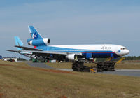 N495DC @ KCEW - airworthy ?