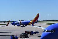 N7729A @ KMCI - Seen at Kansas City International Airport