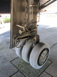 61-7959 @ VPS - the main landing gear - by olivier Cortot