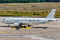 YL-LCU @ EDDK - Airbus A320-214 - by Jerzy Maciaszek