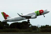 CS-TNR @ LEBL - Take off