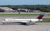 N930AT @ KMSP - Boeing 717-200