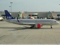 LN-RGL @ LEPA - Terminal C, SK7844 departure to Stockholm (ARN) - by Jean Christophe Ravon - FRENCHSKY