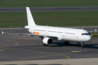 G-POWU @ VIE - easyJet Airline (Titan Airways) Airbus A321 - by Thomas Ramgraber