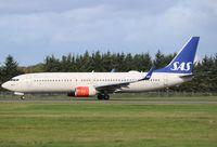 LN-RRJ @ EGPH - Boeing 737-883