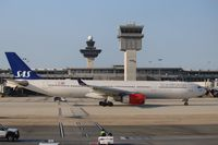 LN-RKH @ KIAD - Airbus A330-343
