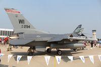 87-0294 @ OSH - F-16C