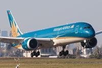 VN-A868 @ LOWW - Vietnam Airlines@VIE - by Basti777