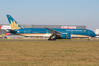 VN-A868 @ LOWW - Vietnam Airlines @VIE - by Basti777