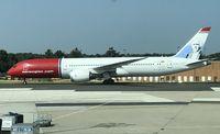 LN-LNG @ LFPG - Boeing 787-8