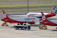 OE-LCG @ VIE - Laudamotion Airbus A320/321 - by Thomas Ramgraber