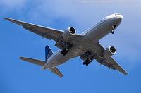 N222UA @ KEWR - Boeing 777-222/ER - United Airlines  C/N 30553, N222UA - by Dariusz Jezewski www.FotoDj.com