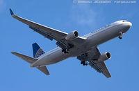 N665UA @ KEWR - Boeing 767-322/ER - United Airlines  C/N 29237, N665UA - by Dariusz Jezewski www.FotoDj.com