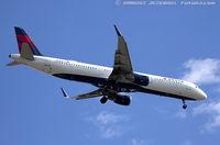 N317DN @ KJFK - Airbus A321-211 - Delta Air Lines  C/N 7373, N317DN - by Dariusz Jezewski www.FotoDj.com