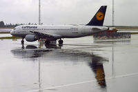D-AIZN @ ESGG - Heavy rain and reflections - by Micha Lueck