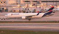 CC-BDA @ MIA - LATAM 767-300
