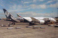 ZK-NZM @ NZAA - At Auckland - by Micha Lueck