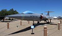 57-0915 @ KPMD - F-104C