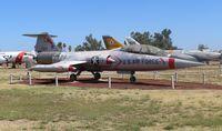 57-1330 @ KMER - F-104D