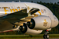A6-EOA @ EDDF - evening, Rwy 18 Frankfurt - by Uwe Zinke
