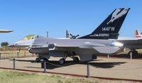 80-0543 @ KMER - F-16A