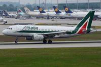 EI-IMO @ EDDM - Arrival of Alitalia A319 - by FerryPNL