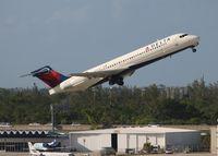 N894AT @ KFLL - Delta 717