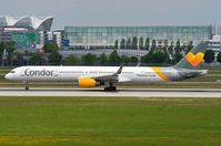 D-ABOC @ EDDM - Condor B753 lining-up for departure - by FerryPNL