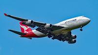 VH-OJS @ YPPH - Boeing 747-400. Qantas VH-OJS final runway 21 YPPH. Taken at West Parade, South Guildford 24/09/18.