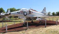 149532 @ KMER - A-4 Skyhawk