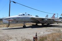 160666 @ KOAK - F-14A Oakland Aviation Museum