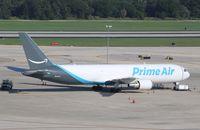 N1427A @ KTPA - Boeing 767-306