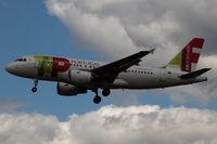 CS-TTU @ EGLL - Landing RWY 27L - by DominicHall