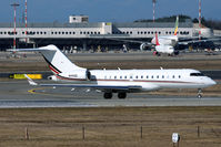 N146QS @ LIMC - Taxiing