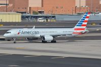 N204UW @ KPHX - American B752 taxying from the terminal area - by FerryPNL